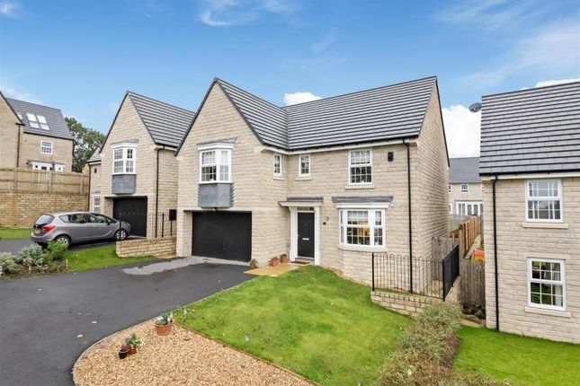 4 bed detached house to rent in Church Drive, Hoylandswaine, Sheffield S36