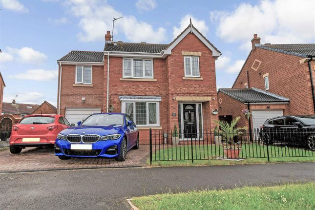 Thumbnail Detached house for sale in Lindengate Avenue, Hull