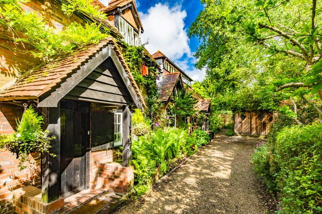 Thumbnail Cottage to rent in White Hart Cottage, Streatley On Thames