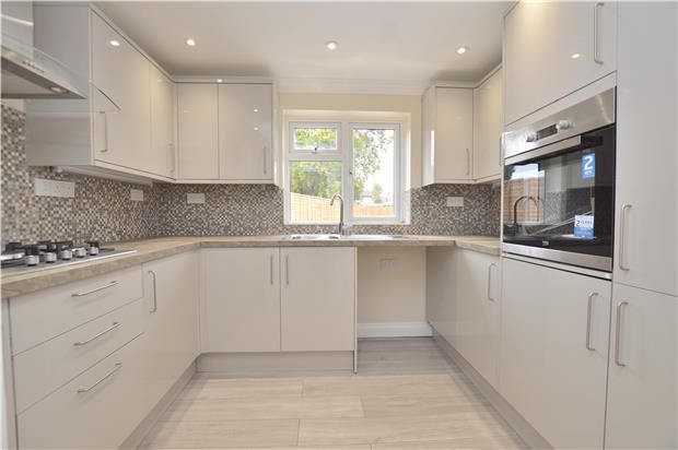 Thumbnail Detached house to rent in Sangers Drive, Horley, Surrey