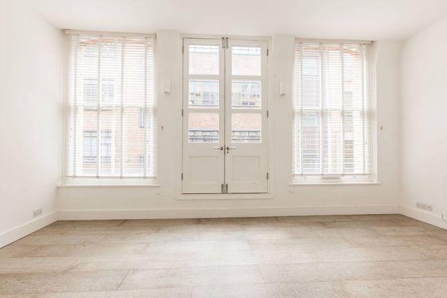 2 bed flat to rent in Great Sutton Street, Clerkenwell, London EC1V