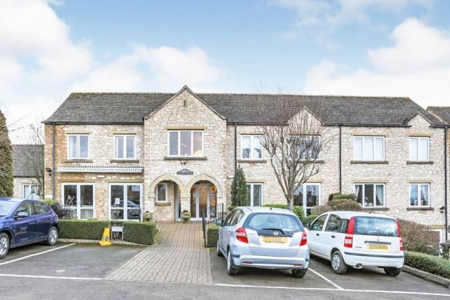 2 bed flat for sale in Bredon Court, Station Road, Broadway, Worcestershire WR12