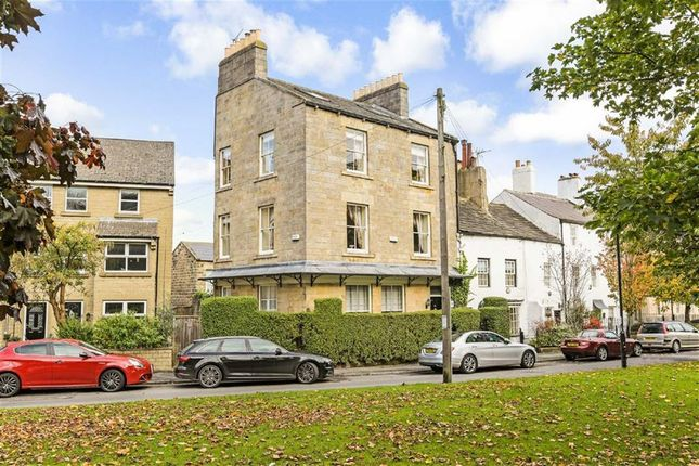 Thumbnail Town house for sale in Devonshire Place, Harrogate, North Yorkshire