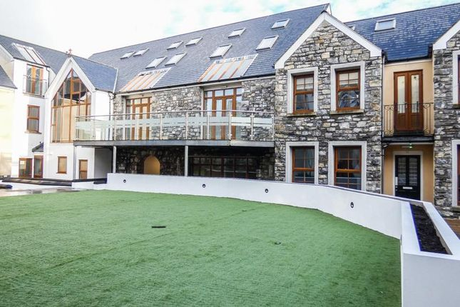 Flat to rent in Courtyard Apartments, Off Malew Street, Castletown