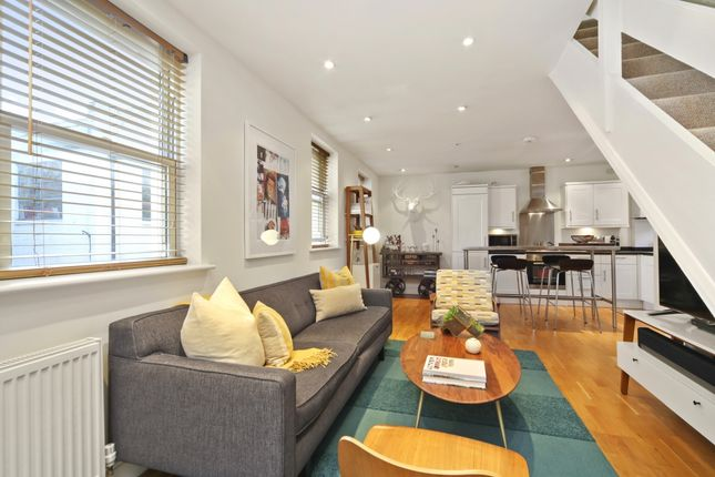 Thumbnail Mews house to rent in Elliotts Place, London