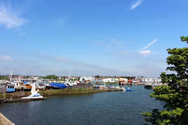 Thumbnail Property for sale in Lake View Road, Lowestoft