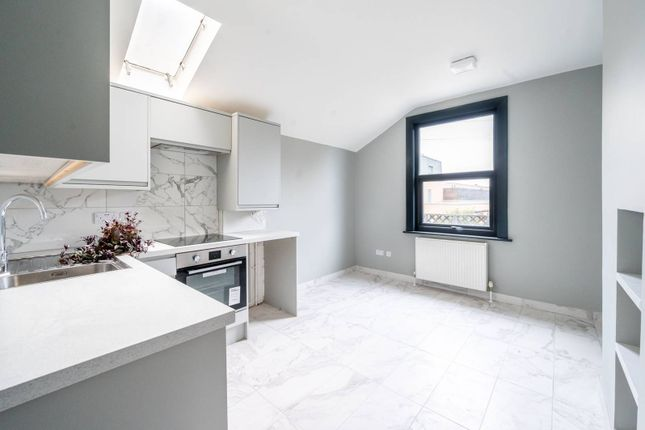 1 bed flat for sale in London Road, Tooting, London SW17