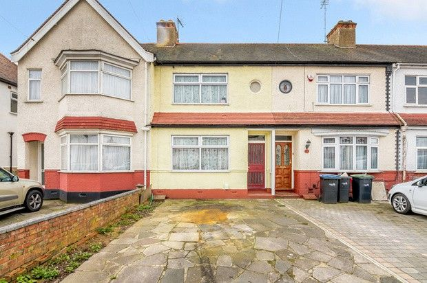 Thumbnail Terraced house for sale in Roedean Avenue, Enfield