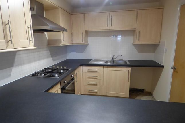 Kitchen of Winchester Court, West View Road, Boothtown HX3