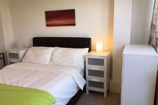 Thumbnail Shared accommodation to rent in Bibury Close, London