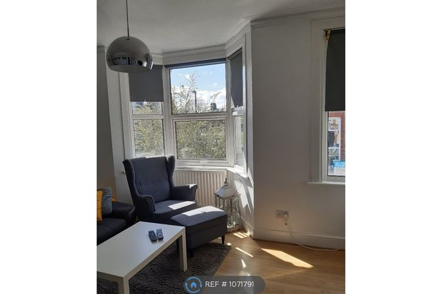 1 bed flat to rent in Catford, London SE6