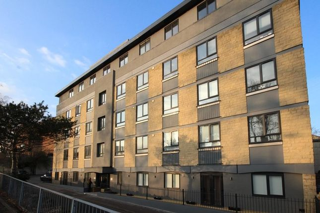 Thumbnail Flat to rent in Town Centre, Yeovil, Somerset