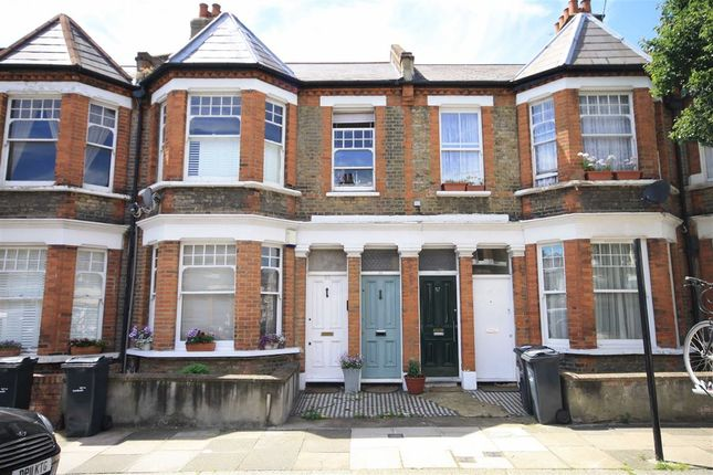 3 bed property to rent in Littlebury Road, London