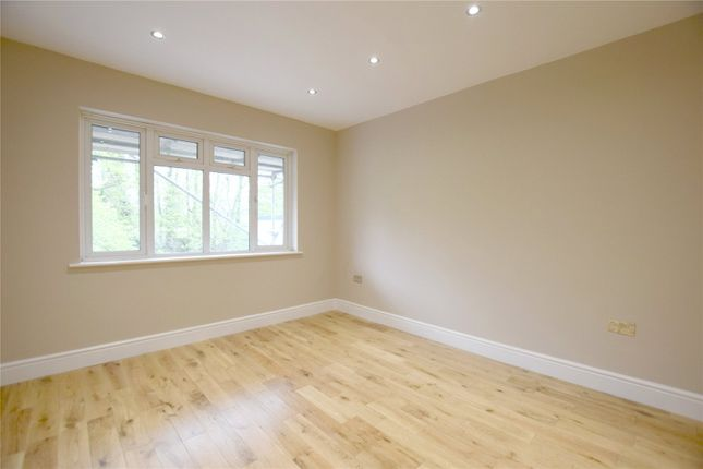 Thumbnail Flat for sale in Avenue Court, The Avenue, Coulsdon