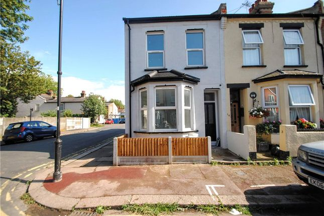 Picture No. 10 of Wallis Avenue, Southend-On-Sea, Essex SS2