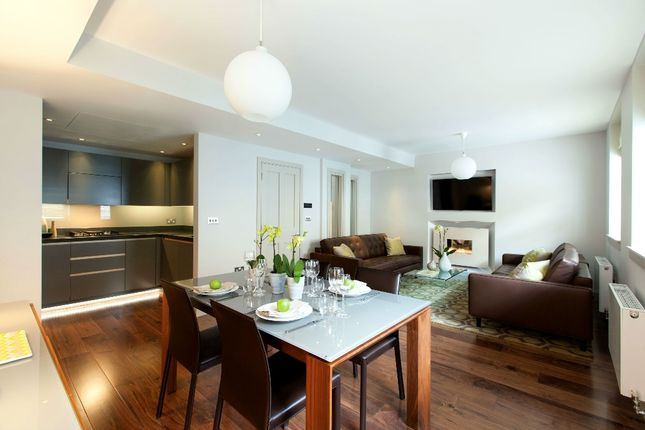 Thumbnail Mews house to rent in Bentinck St, Marylebone, London