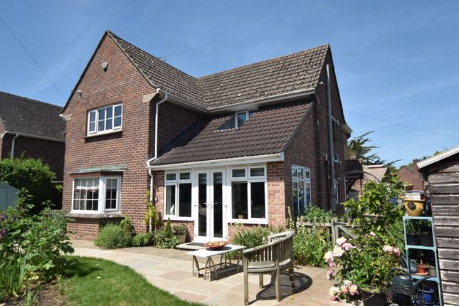 3 bed property for sale in Somerton Road, Huish Episcopi, Langport TA10