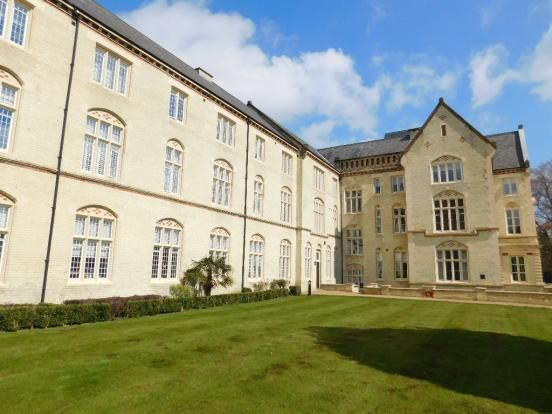 Thumbnail Flat for sale in South Wing, Kingsley Avenue, Stotfold, Herts