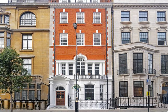 Thumbnail Flat to rent in Harley Street, Harley St, London