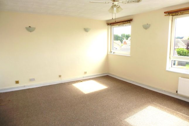 Thumbnail Maisonette to rent in St. Giles Avenue, Sleaford