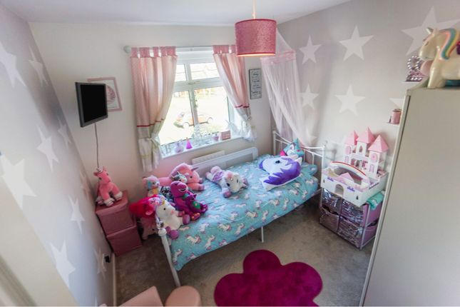Bedroom of Stead Close, Tipton DY4
