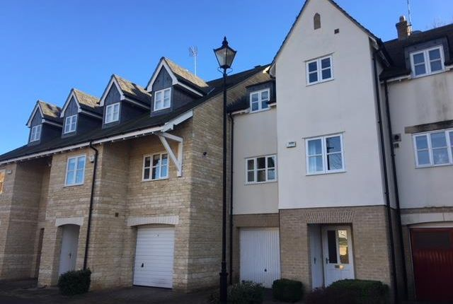 4 bed property to rent in Barons Way, Stamford PE9