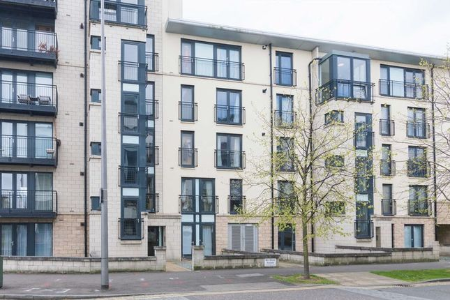 Thumbnail Flat for sale in Waterfront Park, Edinburgh