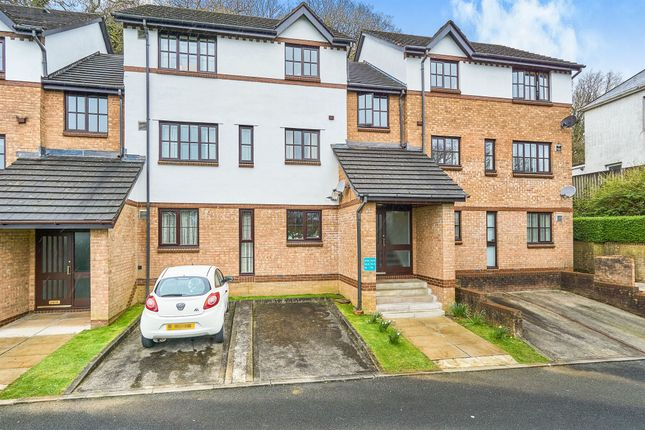 Thumbnail Flat for sale in Crabtree Close, Crabtree, Plymouth