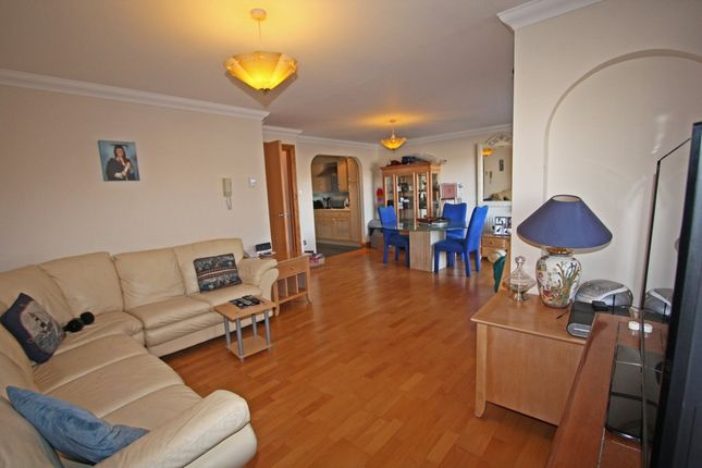 Thumbnail Flat for sale in Lock Approach, Port Solent, Portsmouth