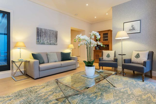 Thumbnail Duplex to rent in Redcliffe Square, London