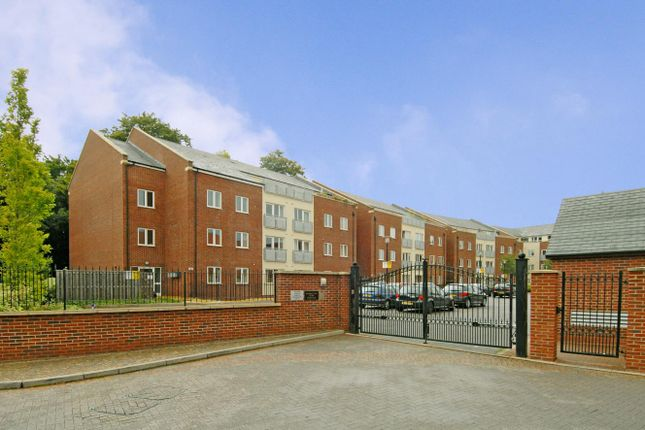 2 bed flat to rent in Beech Road, Headington, Oxford OX3