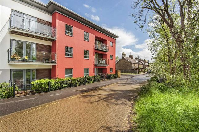 Thumbnail Flat for sale in Lintot Court, Station Road, Horsham