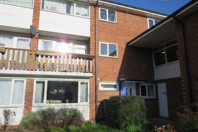2 bed flat for sale in Victoria Close, Stratford-Upon-Avon CV37