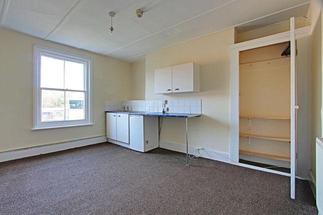 Thumbnail Room to rent in Cornwallis Terrace, Hastings