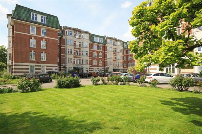Thumbnail Flat to rent in Haven Green, London