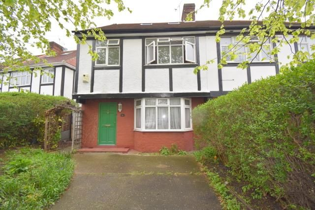Thumbnail Property to rent in Canning Crescent, London