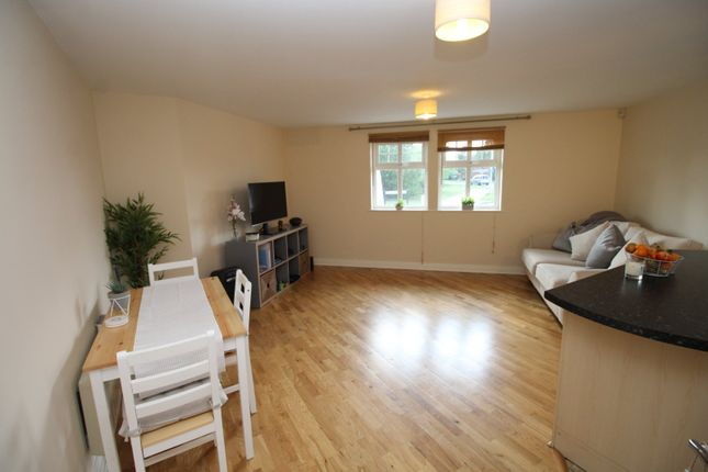 Thumbnail Flat for sale in Wadsworth Court, Bedford, Bedfordshire