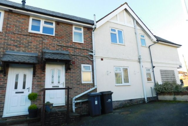 Thumbnail Maisonette to rent in Queens Road, Crowborough