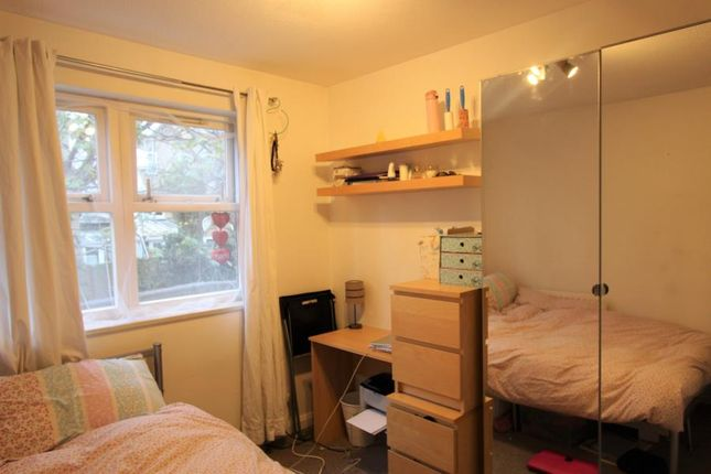 Thumbnail Room to rent in Windrose Close, London