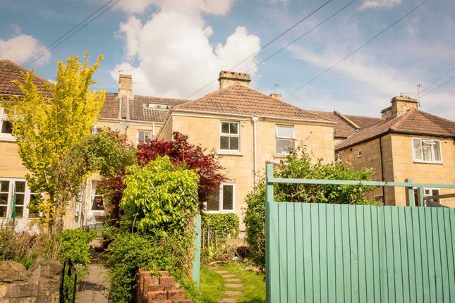 4 bed terraced house to rent in Windsor Villas, Bath