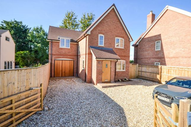 4 bed detached house to rent in St. Johns Road, Slimbridge, Gloucester GL2
