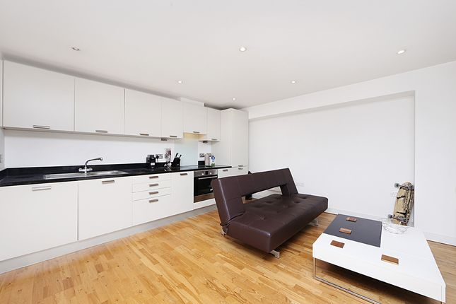 Flat for sale in Lant Street, London