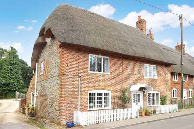 Thumbnail Cottage for sale in Chilton Foliat, Chilton Foliat, Hungerford