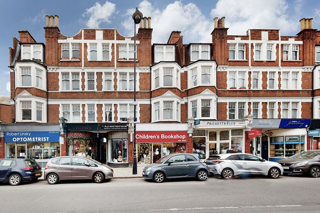 Flat for sale in Fortis Green Road, London