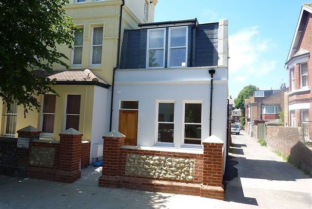 Thumbnail Property to rent in 1A Wyke Avenue, Worthing