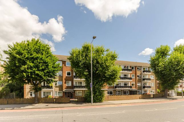 Thumbnail Flat to rent in Cambridge Road, Kingston, Kingston Upon Thames
