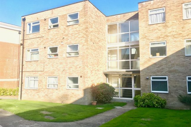 Thumbnail Flat to rent in Stanbrook House, Orchard Grove, Orpington