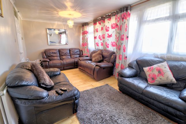 Thumbnail Maisonette for sale in Holdbrook South, Waltham Cross