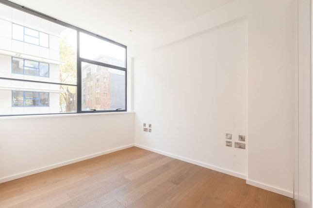 Thumbnail Flat to rent in Long Street, Shoreditch, London