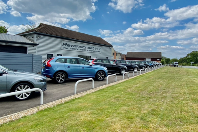 Thumbnail Industrial to let in Ravenscroft Volvo Centre, Murrell Green, London Road, Hook